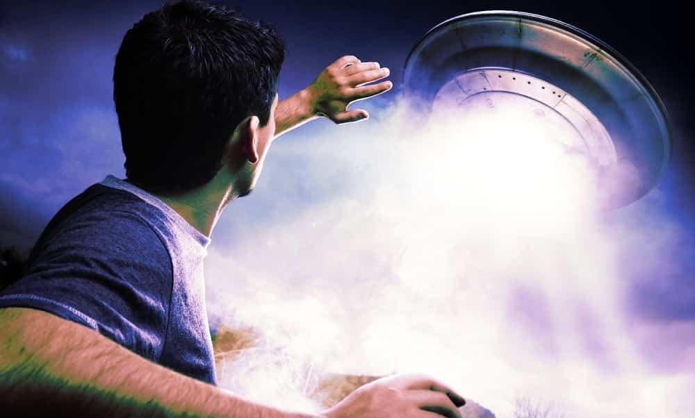 Como evitar ser abduzido por alienígenas, usando coisas simples