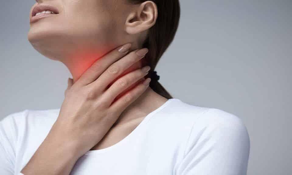 Dor de garganta: 10 remédios caseiros para aliviar o incômodo