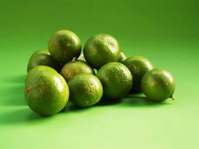 Alimentos que ajudam a controlar o ácido úrico no sangue