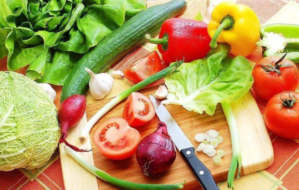 Ácido úrico: alimentos que ajudam a controlar a substância no corpo