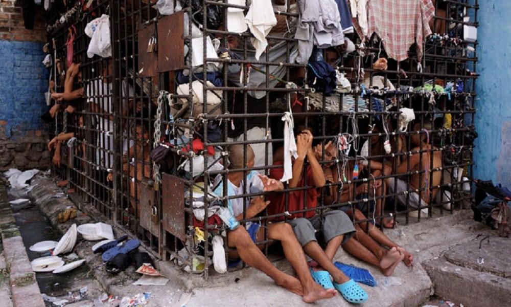 Como são algumas celas de prisões ao redor do mundo