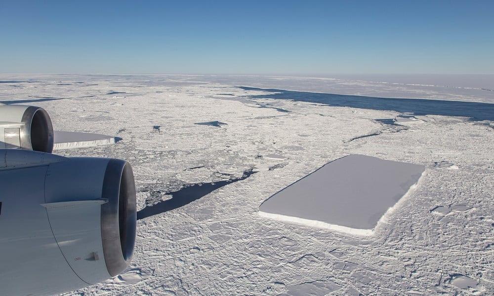 Nasa encontra iceberg perfeitamente retangular na Antártida