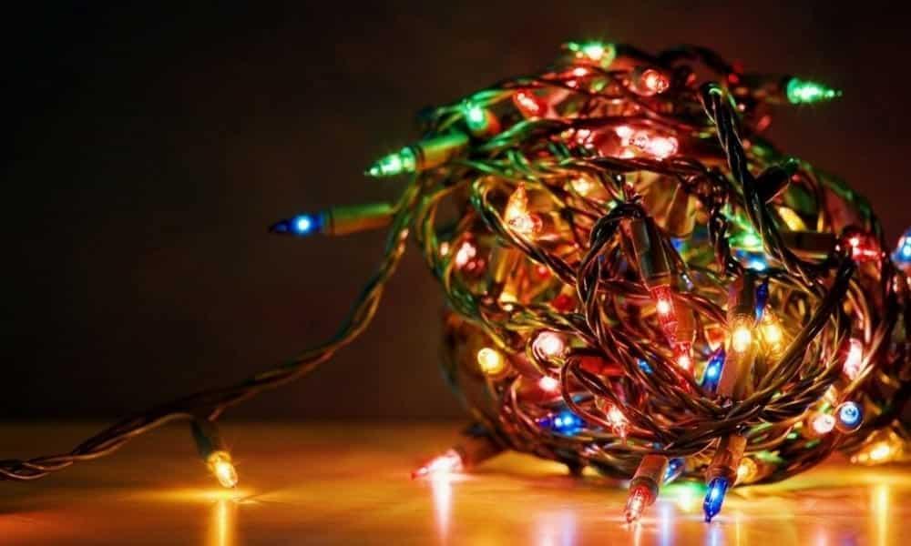 Como consertar pisca-pisca decorativas antes do Natal!