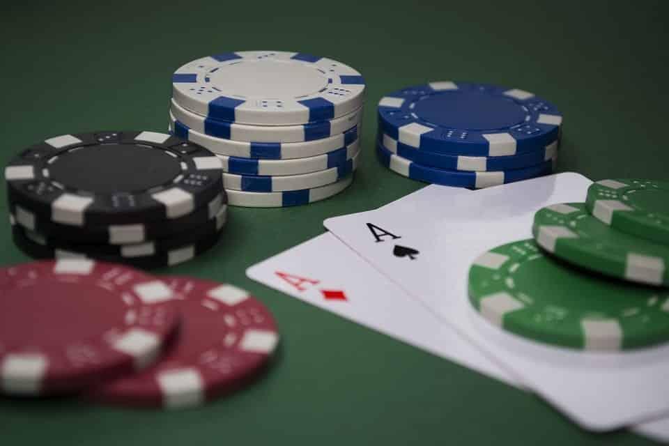 Tutorial para iniciantes: aprenda agora como jogar Poker