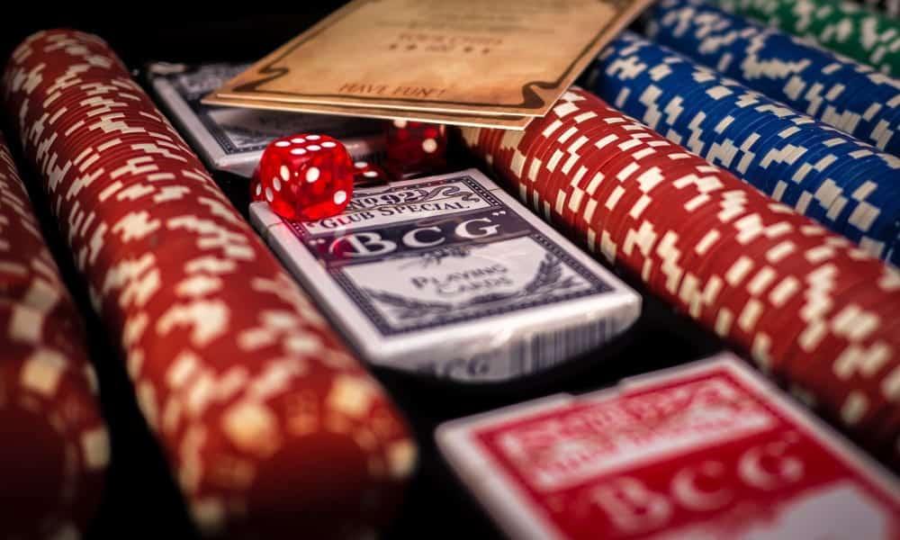 Aprenda agora como jogar Poker [tutorial para iniciantes]