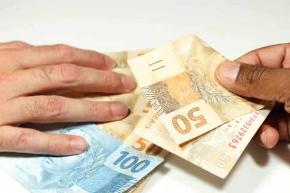 10 dicas preciosas para conseguir economizar dinheiro