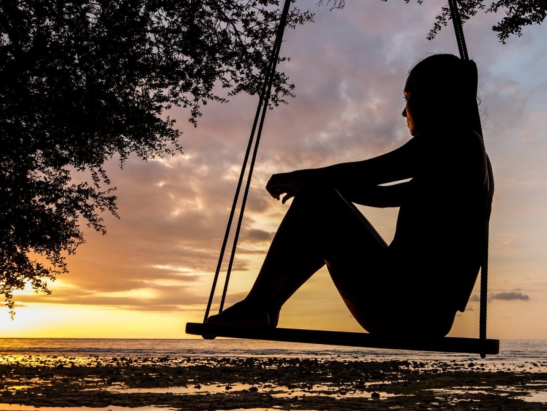 8-formas-praticas-para-voce-aprender-a-lidar-com-a-solidao.jpeg