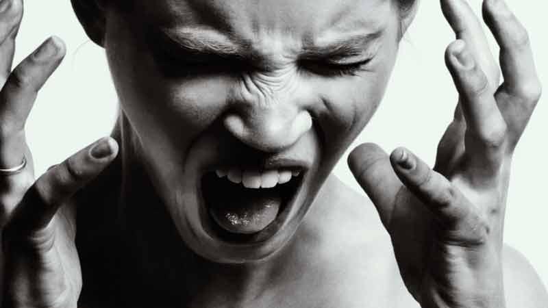 9 palavras tóxicas que se você eliminar, tem mais chances de ser feliz