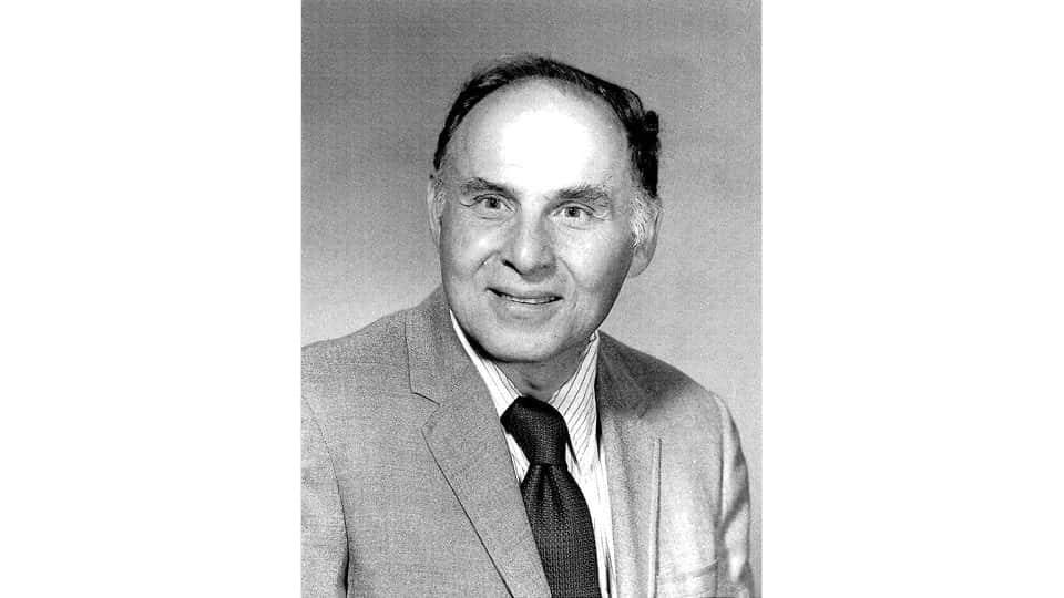 96 anos, esse é o ganhador do premio Nobel mais velho da história
