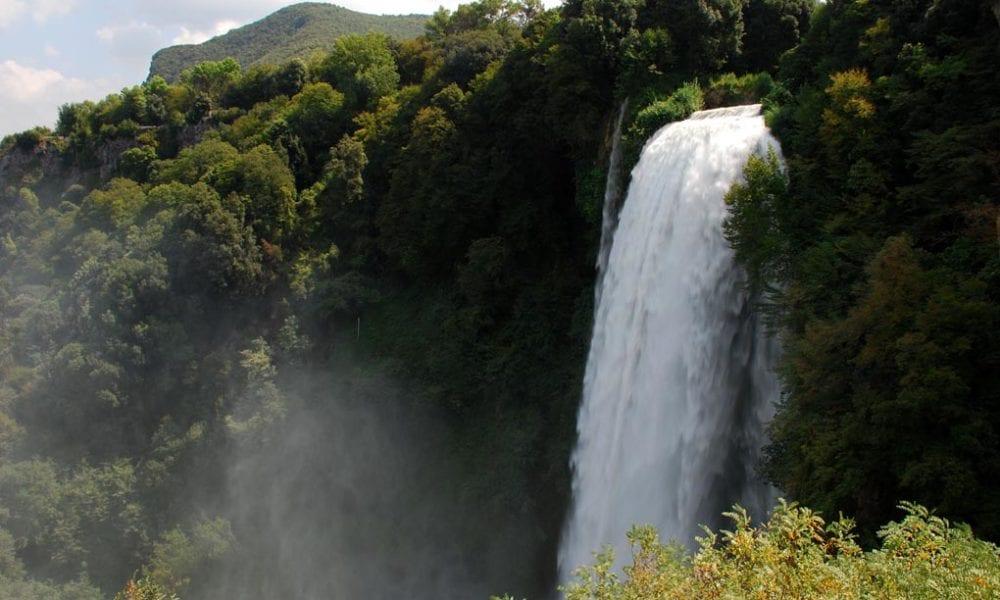 Conheça a cascata artificial de mais de dois mil anos de idade!