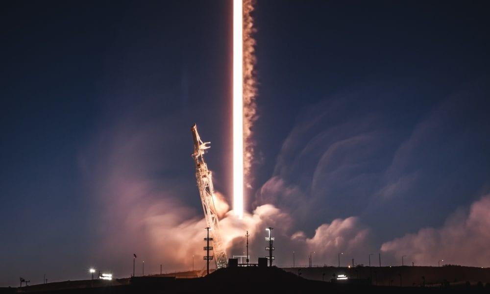 Novo foguete da SpaceX mostra visual futurista! Confira!