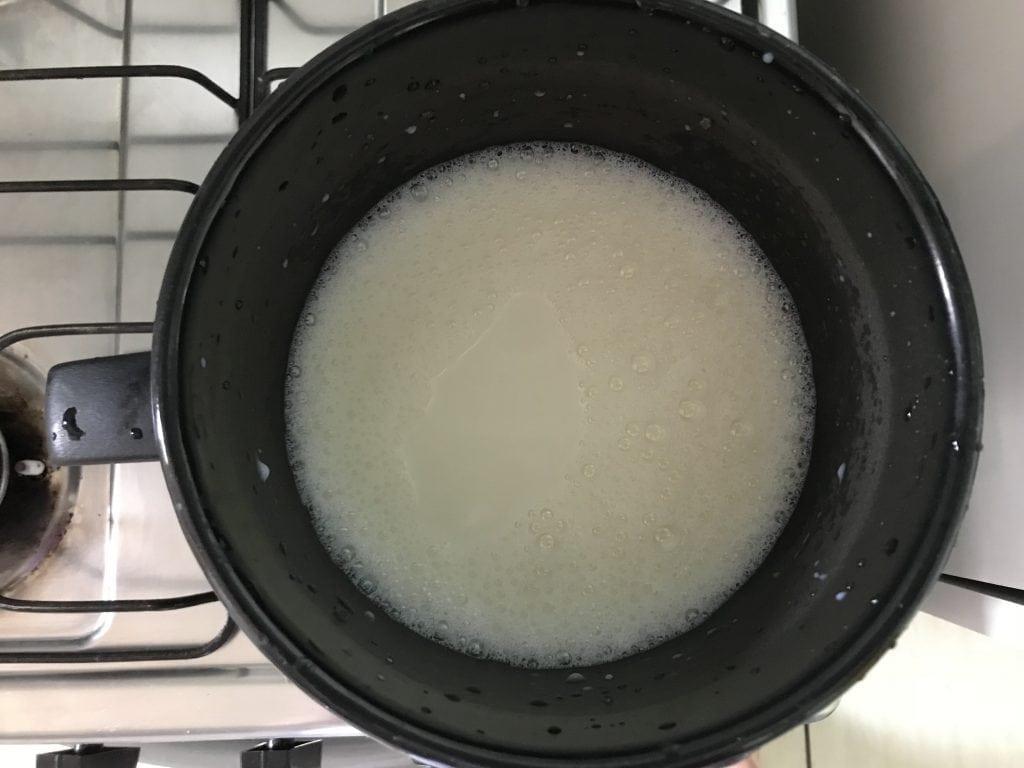 Aprenda como fazer iogurte natural de uma maneira fácil