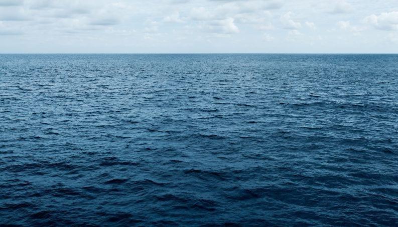Como as alterações climáticas podem alterar a cor dos oceanos