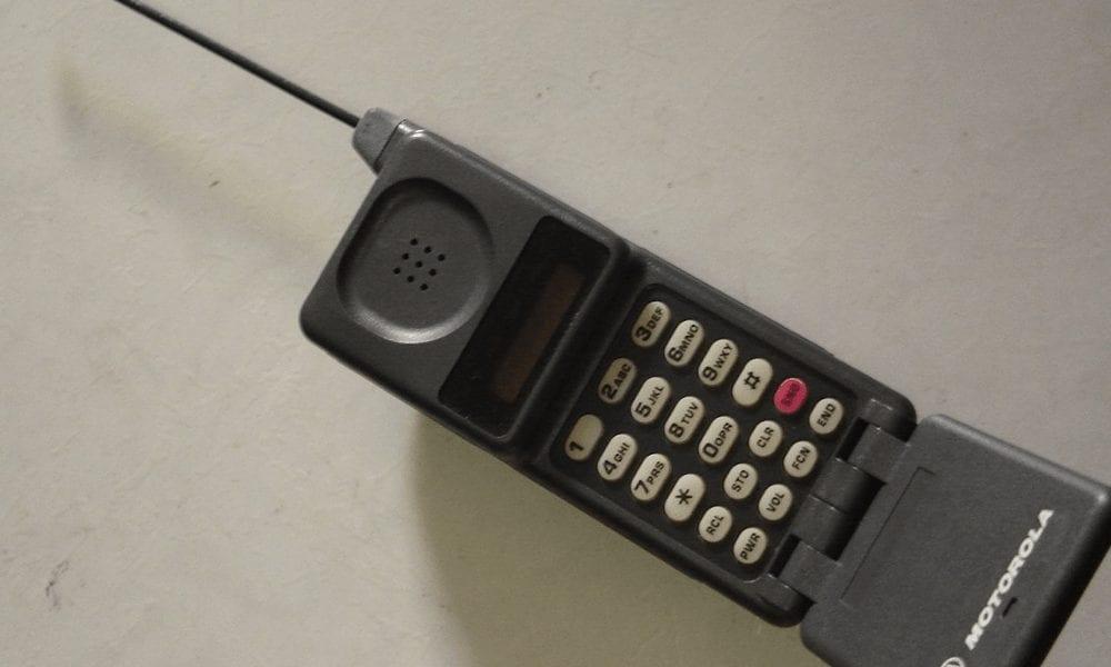 Quando o celular foi inventado? E quem o inventou?