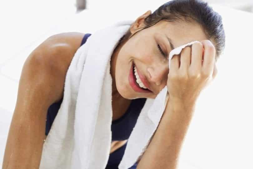 Suar muito pode ser doença e você precisa investigar!