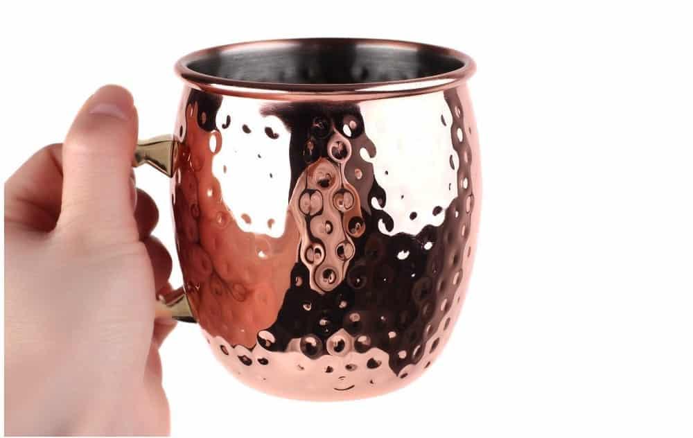Beber água em copo de cobre pode ser a salvação da sua saúde