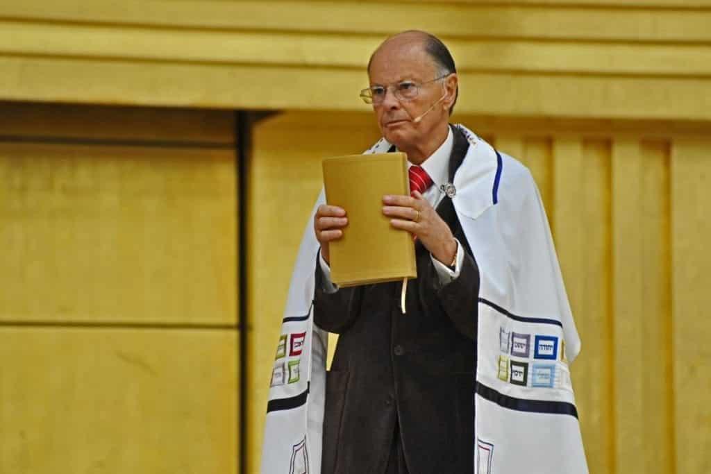 Quem é Edir Macedo? Conheça a história do fundador da Igreja Universal