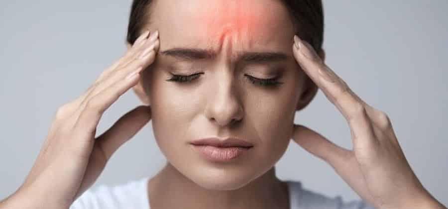 Você tem dor de cabeça com frequência? Entenda as possíveis causas.