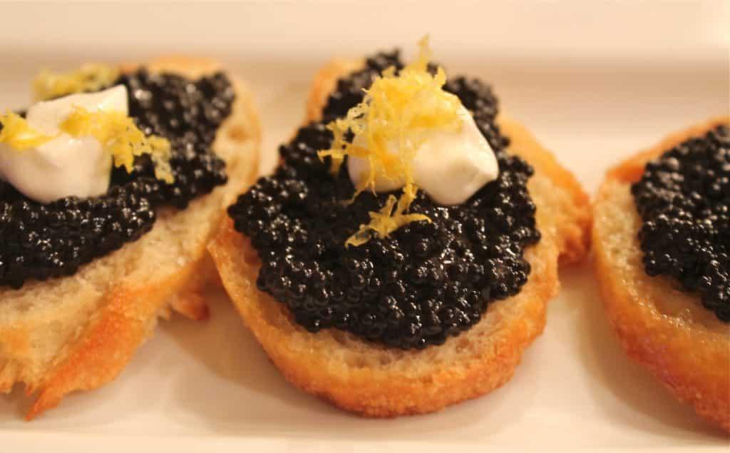 Caviar: conheça os principais tipos e entenda o preço alto