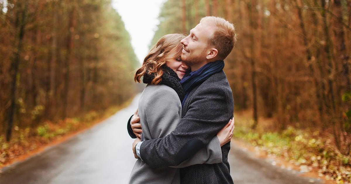 Abraços fazem bem à saúde! 5 explicações científicas para o fato