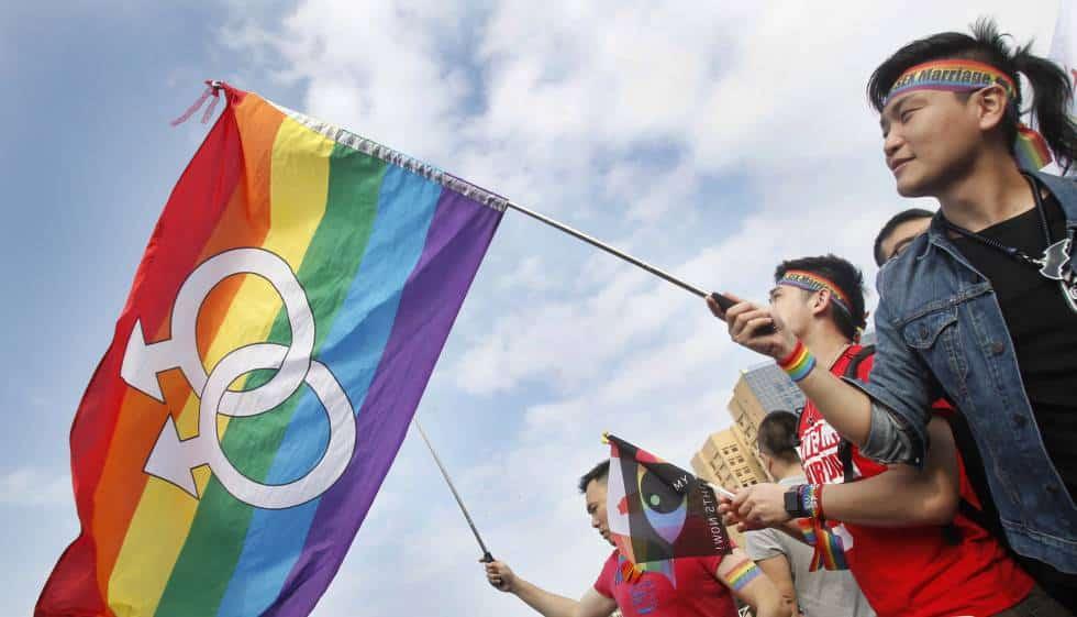 Como funciona o casamento gay no Brasil e em outros 9 países