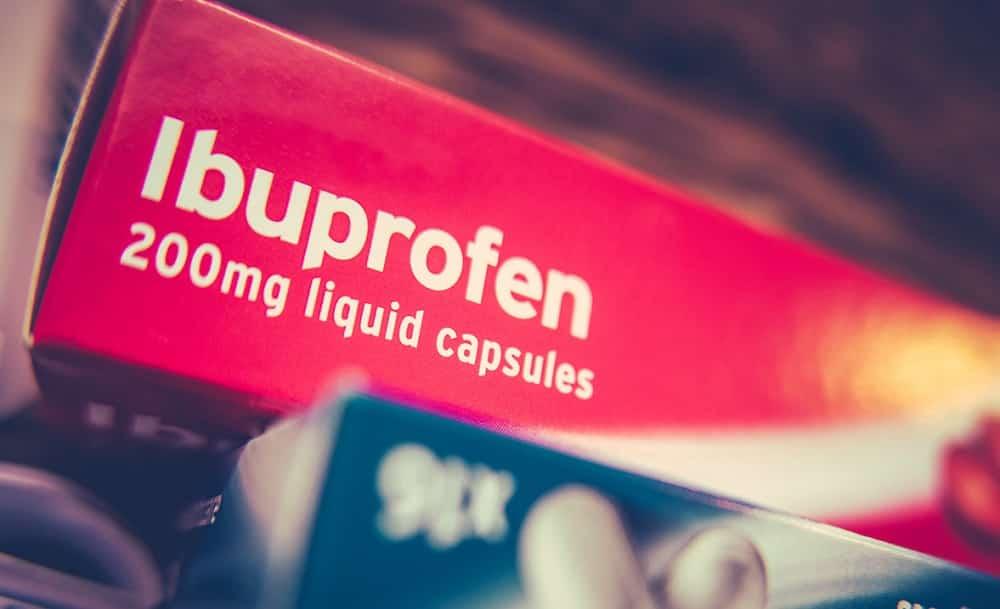 Ibuprofeno – para que serve, quem pode usar e riscos da automedicação