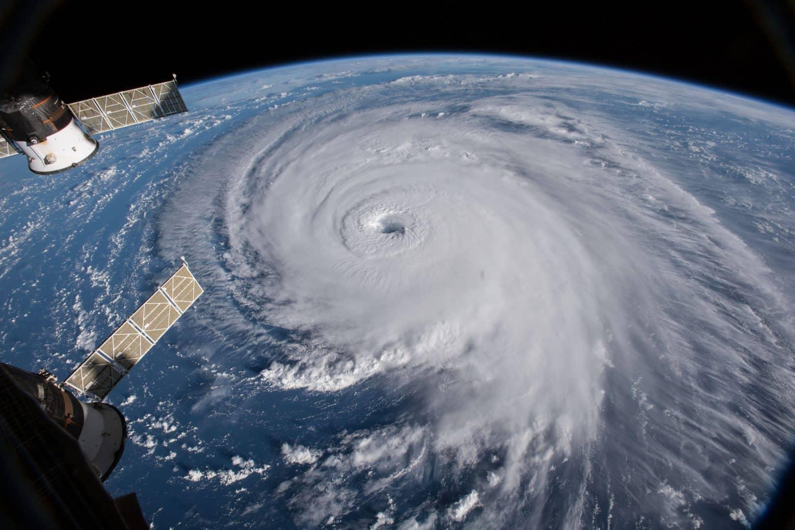 Descubra agora a diferença entre um tufão e um furacão