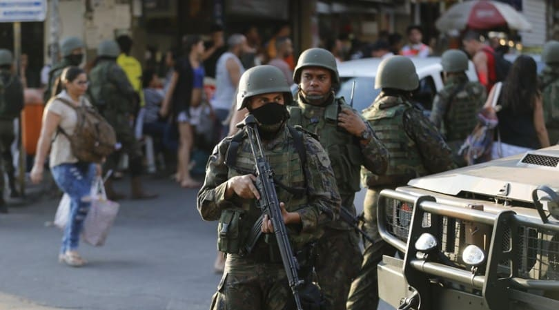 Intervenção militar, o que é e a possibilidade de acontecer no Brasil