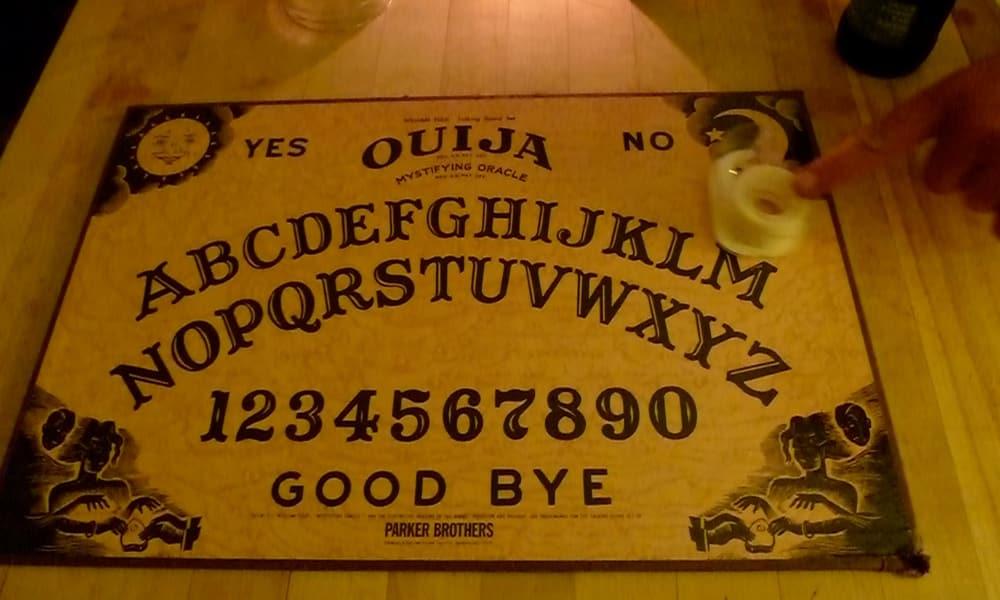 Tabuleiro de Ouija, a verdadeira origem do brinquedo macabro
