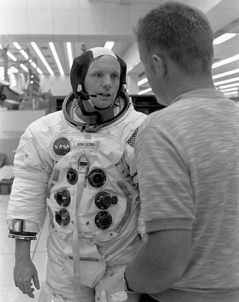 Descubra toda a trajetória de vida do primeiro homem a pisar na lua