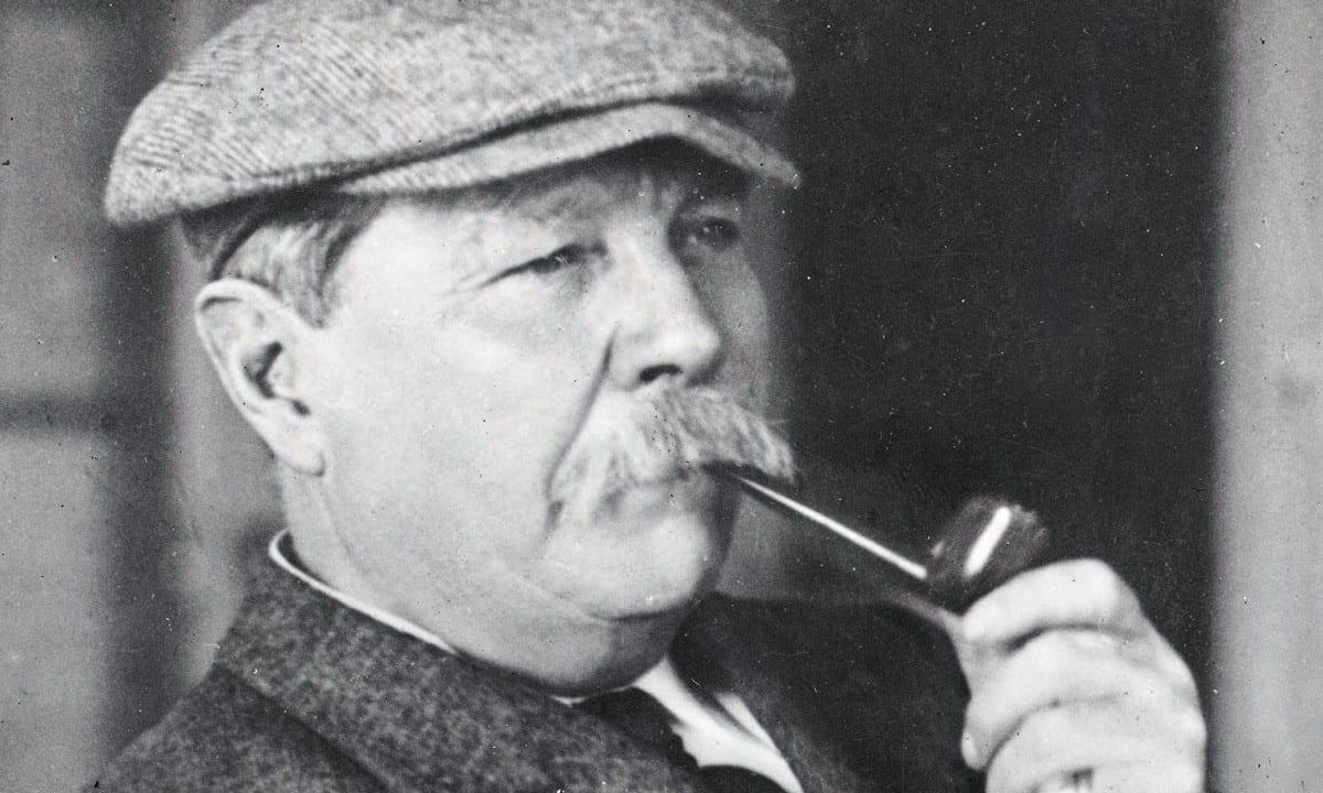 Sherlock Holmes- Quem é esse detetive com tanto poder enigmático?