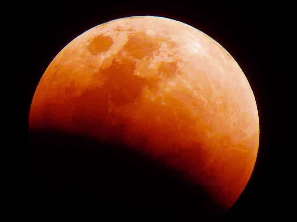 Lua de Sangue, o que é? Como, quando e por que o fenômeno acontece?