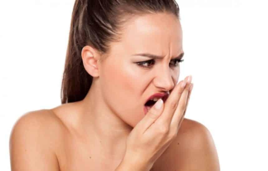 Saburra Lingual - o que é e como acabar para ter uma boca saudável