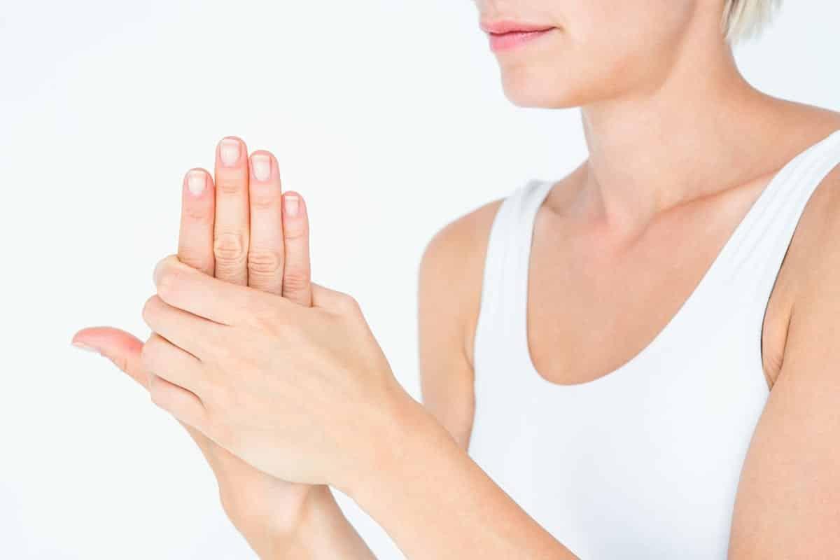 O que pode ser o formigamento nas mãos + 12 possíveis causas