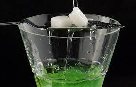 Absinto - Conheça a história e as características da bebida proibida