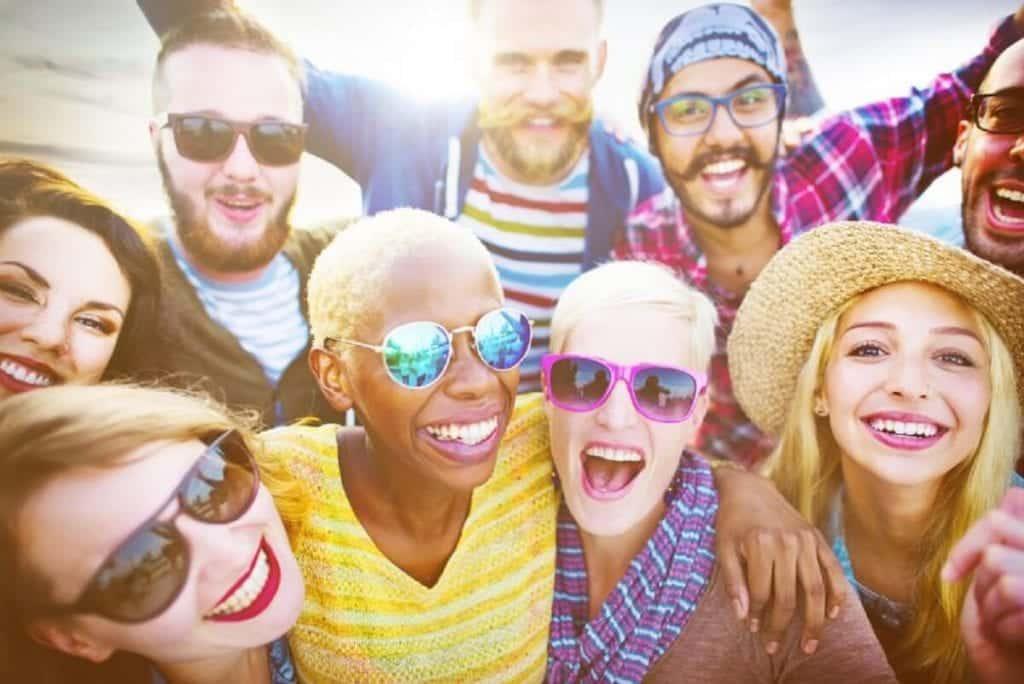 Pessoas felizes – 13 atitudes que as diferem das pessoas tristes