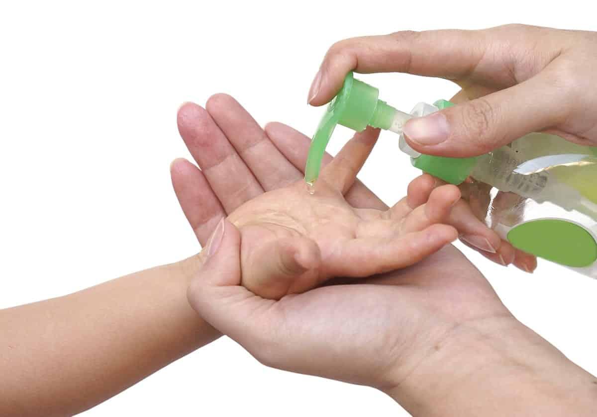 Álcool em gel - O que é, tipos e eficácia para desinfetar e prevenir