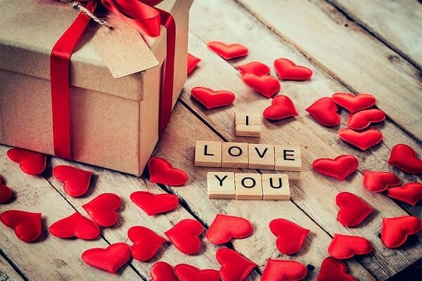 Dia dos Namorados - origem e por que é comemorado em 12 de junho?