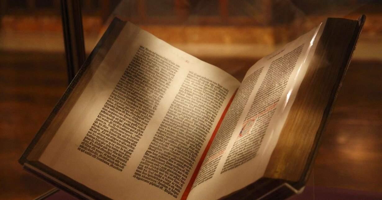 Quem escreveu a Bíblia - Conheça a história do antigo livro