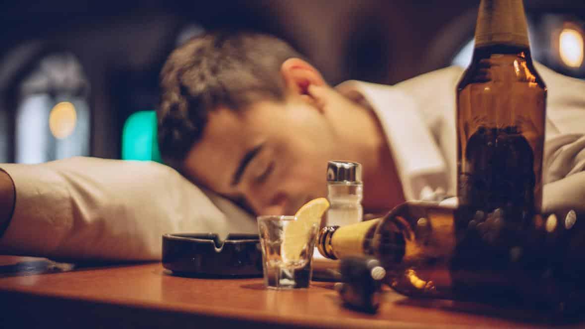 Álcool - principais efeitos da bebida no corpo humano