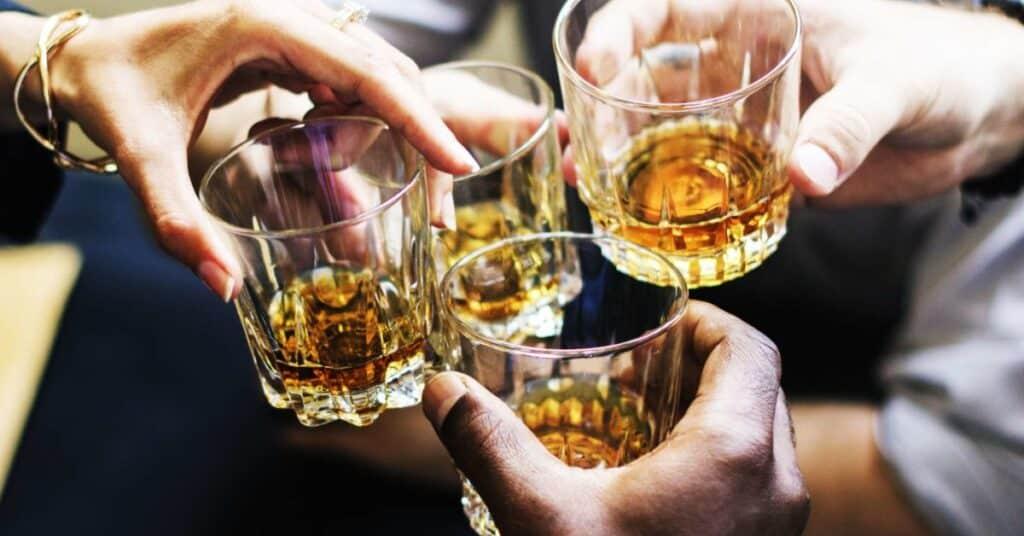 Álcool – Definição e principais efeitos no corpo humano