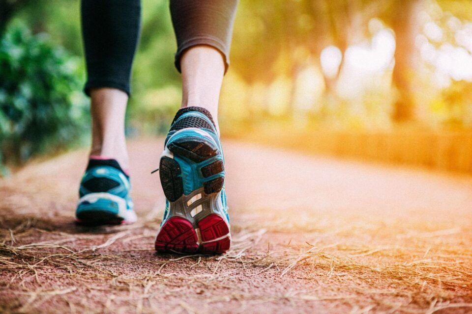 Benefícios da caminhada, quais são? Dicas para começar e cuidados