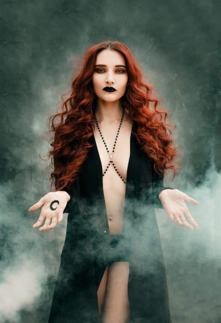 Bruxa - História, visão atual e características que as representavam