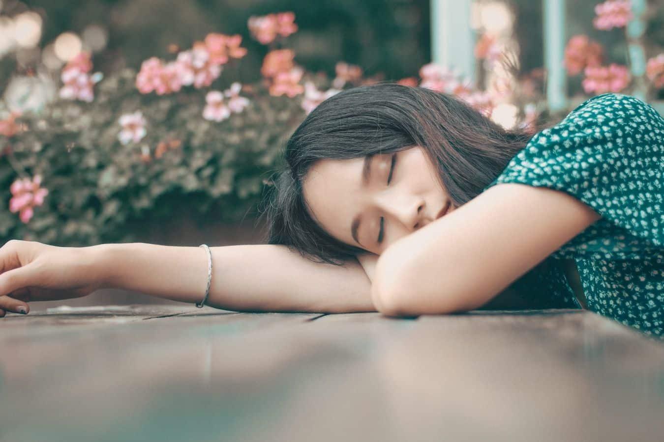 Dormir bem - dicas essenciais para garantir uma boa noite de sono