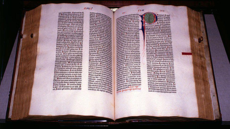 Primeiro livro do mundo - qual é e como evolui até os dias de hoje