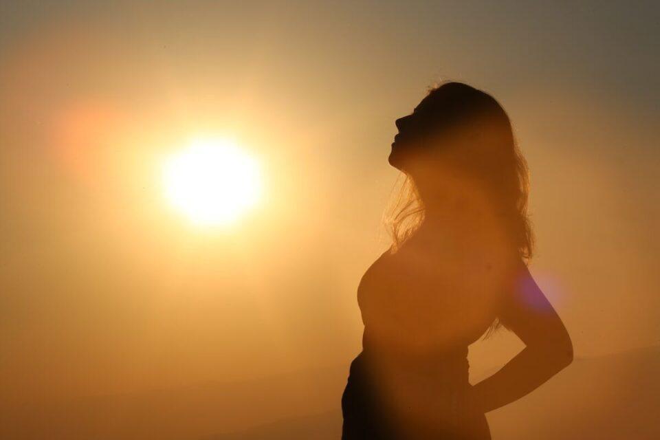 Tomar sol – Conheça os benefícios dessa pratica para a saúde
