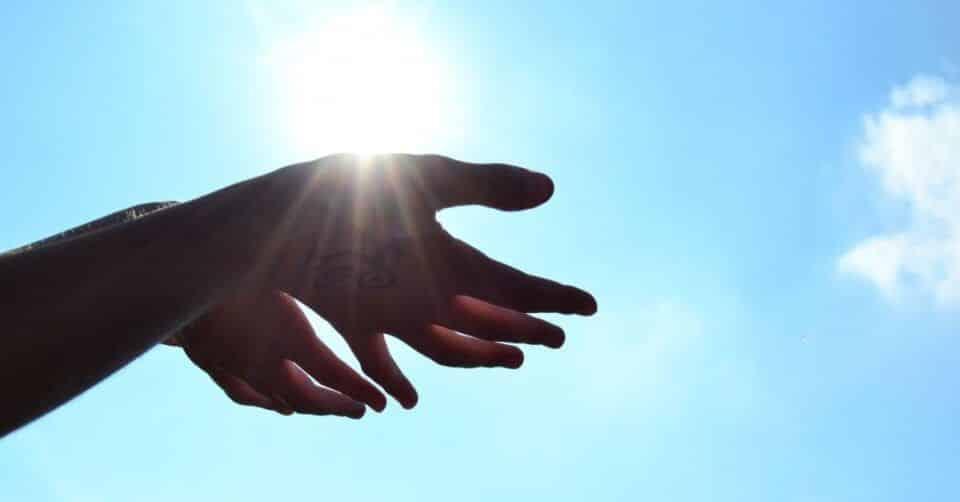 A Deus dará – Origem e teorias que explicam a evolução do ditado popular