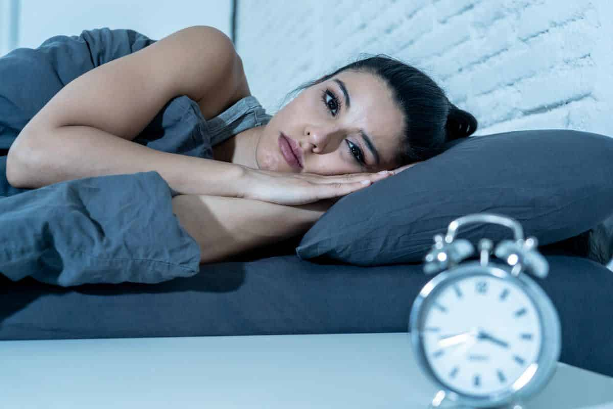 Comer e dormir faz mal? Qual o problema de dormir com a barriga cheia?