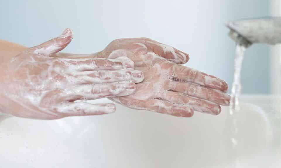Lavar as mãos – Quando e como fazer para manter-se livre de germes