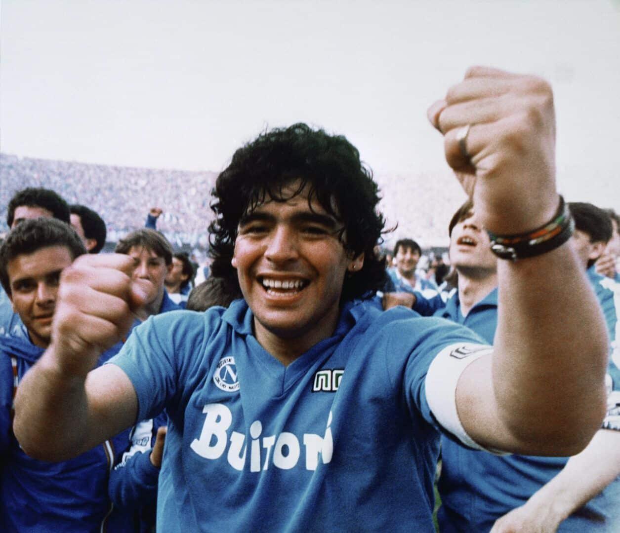 Maradona - Toda a história do ídolo do futebol argentino